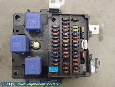 fuse box / electricity central - nissan maxima, 1995